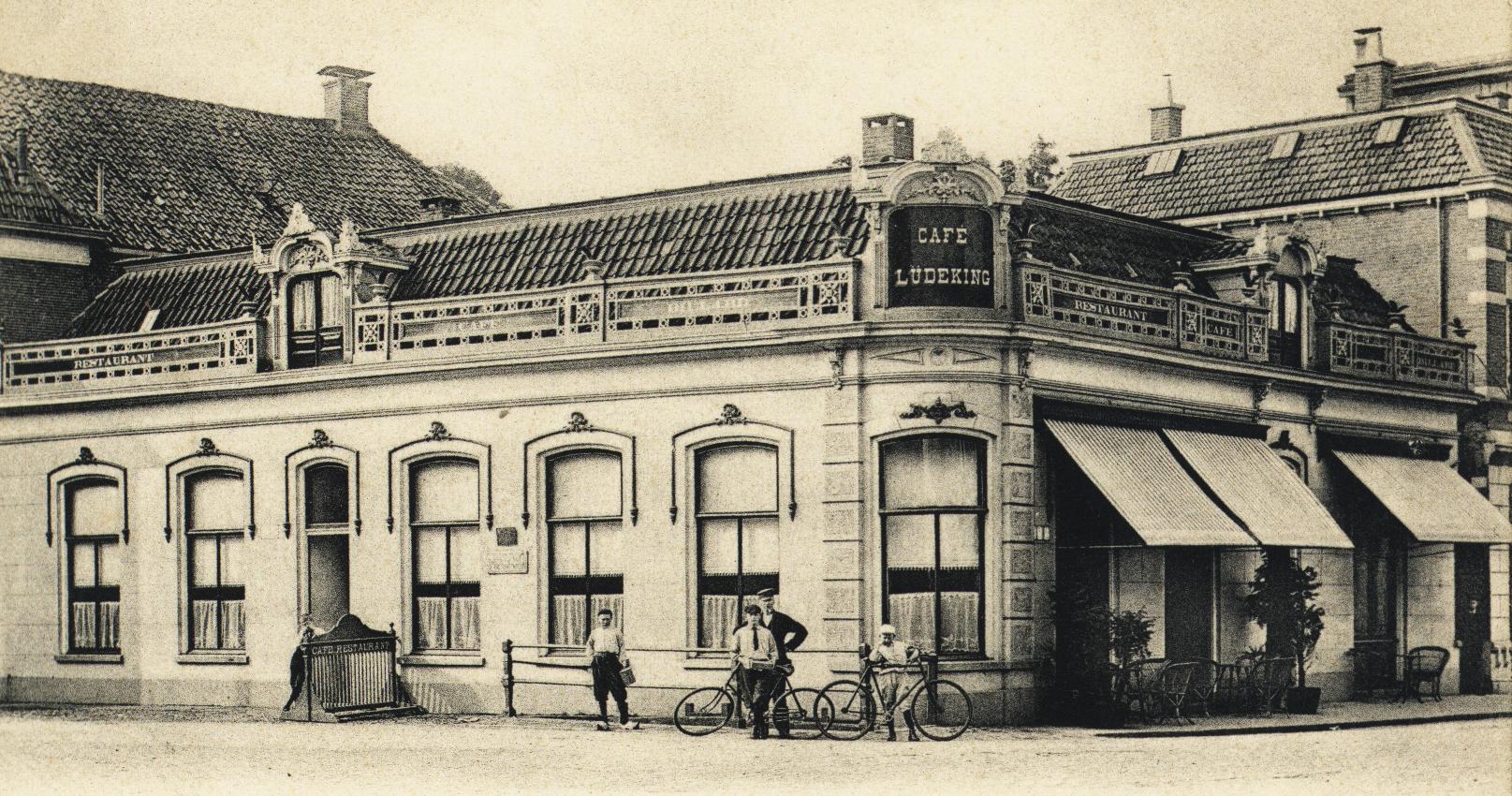 Almelo grootestraat nieuwe eind rond 1900 for Interieur 1900